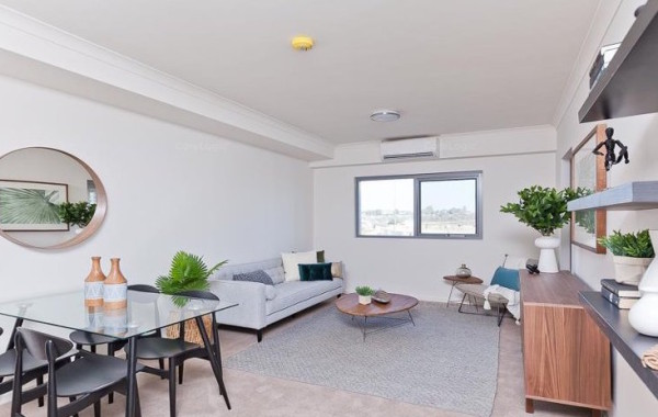 52/888 North Lake Road, Cockburn Central, WA 6164